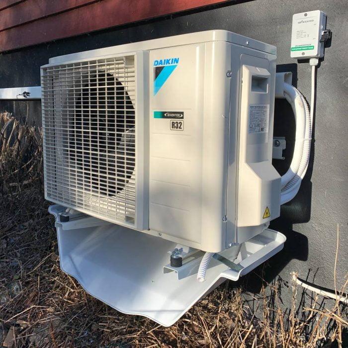 Avledningskärls för luftvärmepump väggkonsol
